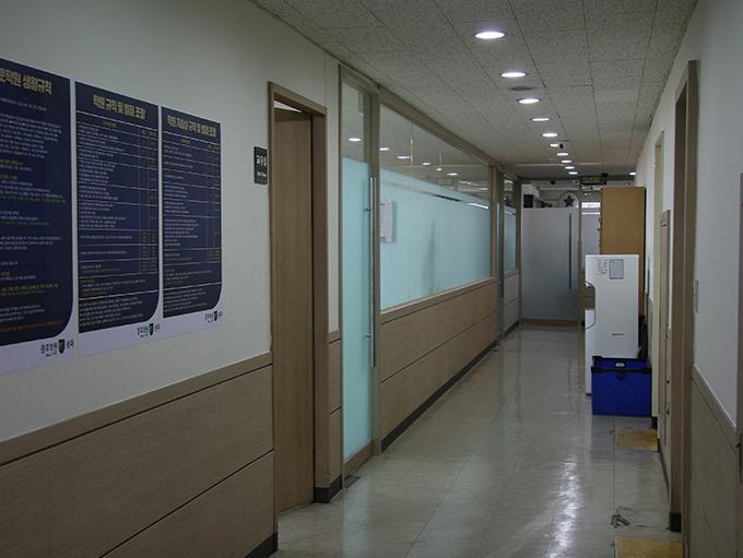 4층 로비
